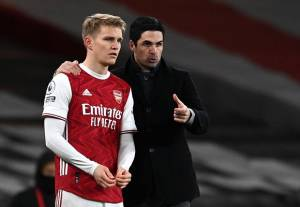 Martin Odegaard Pilih Arsenal Atau Real Madrid?