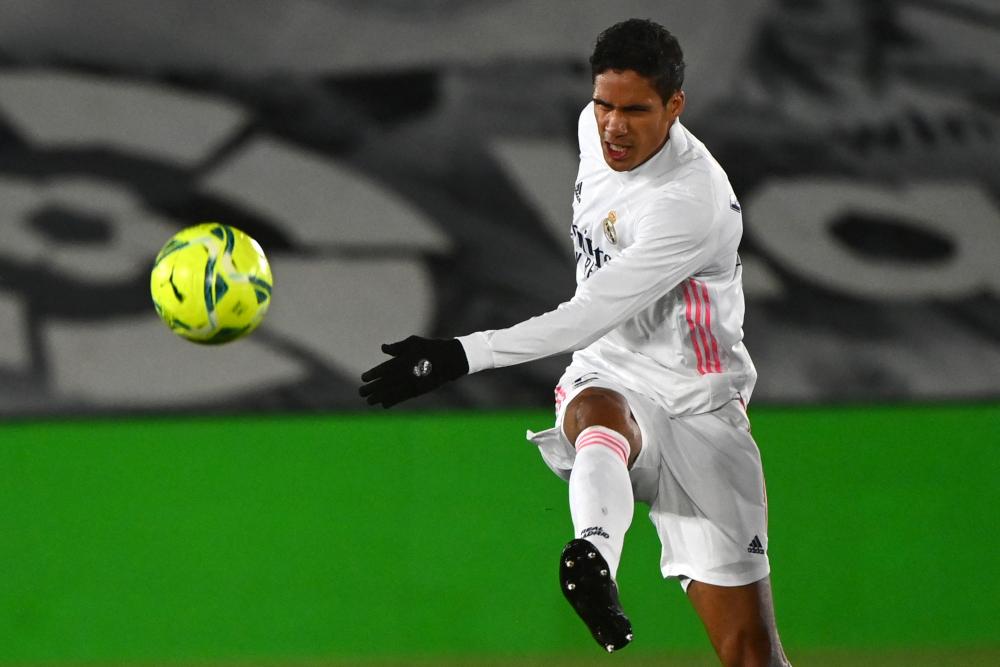 MU Incar Raphael Varane Dari Real Madrid